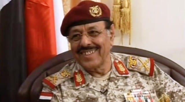 مزامير اصلاحية تطالب وتروج لتغيير وزير الدفاع باللواء علي محسن
