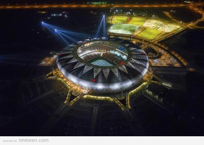 صورة يوتيوب افتتاح ملعب الجوهرة المشعة الرياضي في جدة اليوم الخميس 1-5-2014