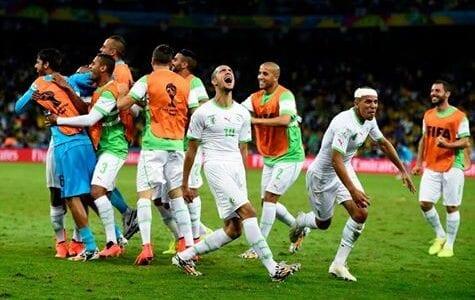 صور من فوز الجزائر الي تغلبت على روسيا وصعودها الى الدور 16