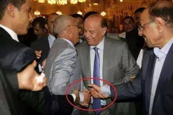 صورة أعضاء المؤتمر يعزلون علي عبدالله صالح ويرشحون هادي صحافة نت