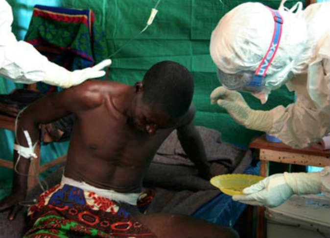 صورة راهبة مع المبشرين الإسبانية يموت من الإيبولا في ليبيريا