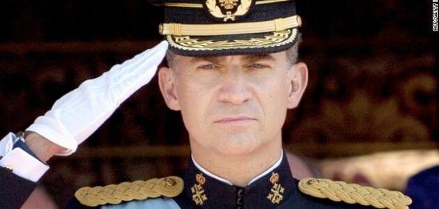 إسبانيا : الملك فيليب يشرف على موكب العيد الوطني