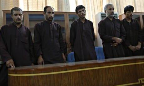 صورة شنق 5 رجال أفغان بتهمة لاغتصاب جماعي على الرغم من نداء الأمم المتحدة