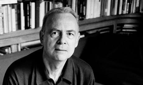 صورة الكاتب الفرنسي باتريك موديانو يفوز بجائزة نوبل للأدب 2014
