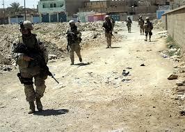 180 الف شخص يفرون من مدينة هيت العراقية
