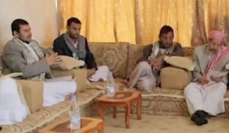 Photo of صورة من اجمتاع الوفد لحزب الإصلاح مع زعيم الحوثيين عبدالملك الحوثي