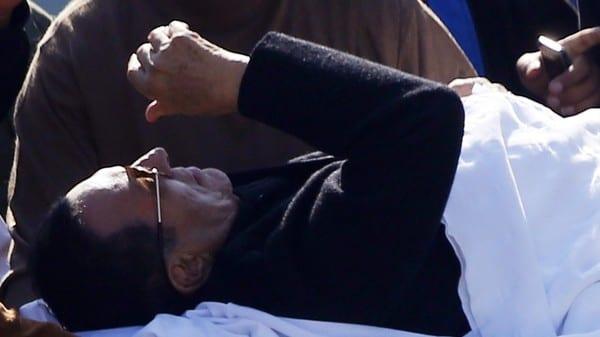 بعد إعلان قناة صدى البلد وفاة مبارك مصدر ينفي خبر وفاة محمد حسني مبارك