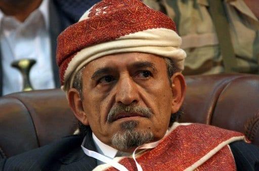 الحوثيين يحكمون صادق الأحمر