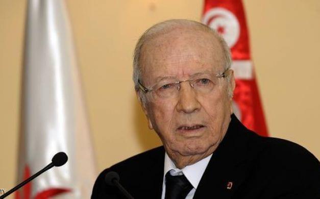 Photo of تونس تحتفل بذكرى هروب بن علي بالعفو عن 1322 سجين