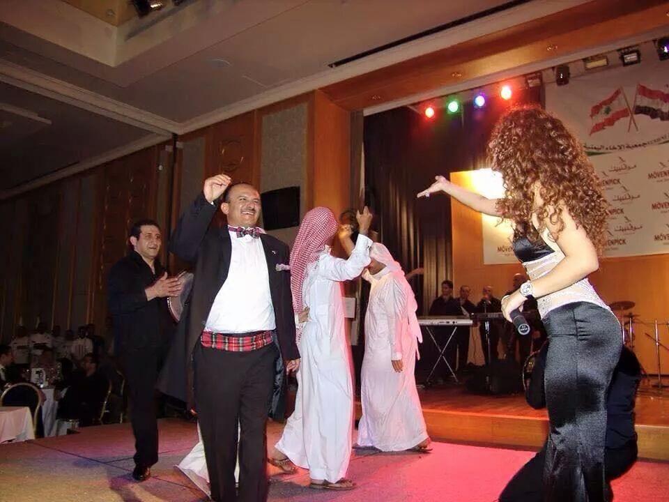 نشطاء يتداولون صور ماريام فارس 2015 في احتفال في اليمن مع يحيى محمد صالح