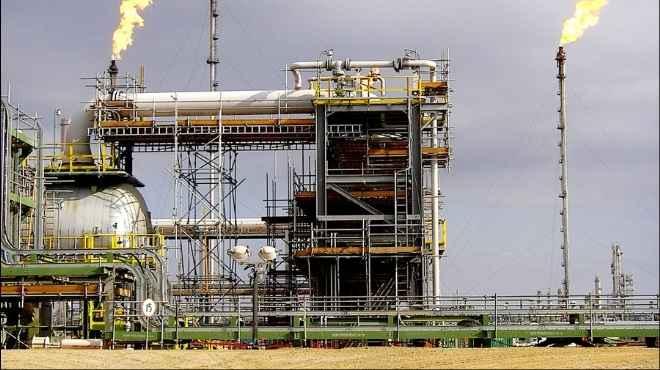 صورة البترول المصري ومشروعات  استثمارية بمبلغ 9.3 مليارات