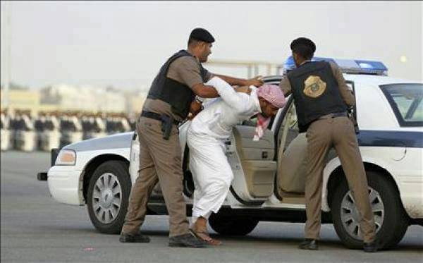 Photo of مكتب وزارة العمل اكثر من 50 الف مخالفا لنظام الاقامة والعمل اخبار السعودية 18 جماد الاول 1436