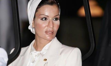 صورة لا صحة لخبر وفاة الشيخة موزة بنت جاسم بن ثاني آل ثاني اخبار قطر 21-3-2015 الخليج
