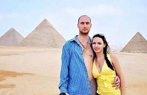 Photo of الفنانة الي صورة افلام اباحية في اهرام مصر تعتذر للشعب المصري