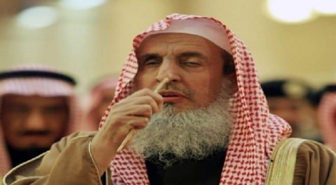 Photo of الشيخ عبدالرحمن ال الشيخ ينفي فتوى أكل الرجل لحم زوجته للضروره او شدة الجوع!!!