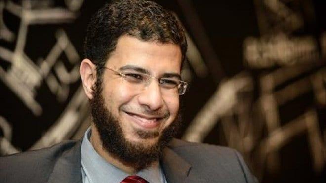"""Photo of هجوم نادر بكار للداعين لخلع الحجاب : هم """"دواعش التنوير"""""""