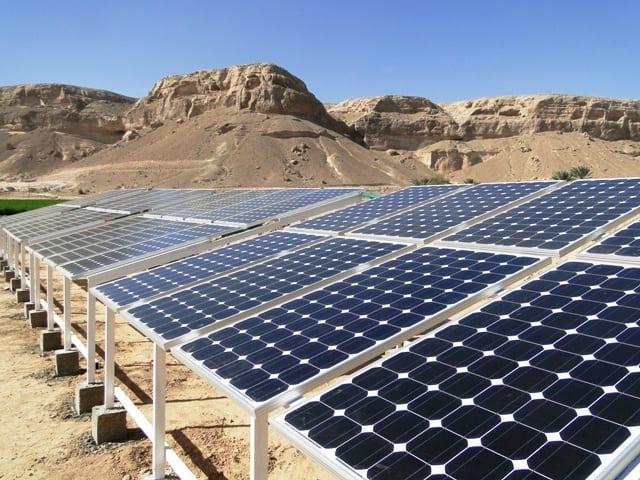 01-05-15-الطاقة الشمسية بديلة الكهرباء في اليمن في ظل انعدام المشتقات النفطية
