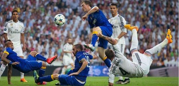 في الدقيقة 23 سجل كريستيانو رونالدو هدفا من ركلة جزاء ليمنح ريال مدريد التفوق