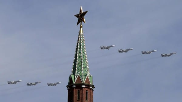 Russian Su-24 tactical bombers fly in formation during the Victory Day parade above Red Square in Moscow, Russia, May 9, 2015. Russia marks the 70th anniversary of the end of World War Two in Europe on Saturday with a military parade, showcasing new military hardware at a time when relations with the West have hit lows not seen since the Cold War. REUTERS/Tatyana Makeyeva