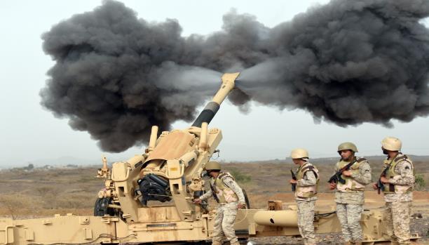 صورة قذيفة حوثية تقتل مدني سعودي بنجران