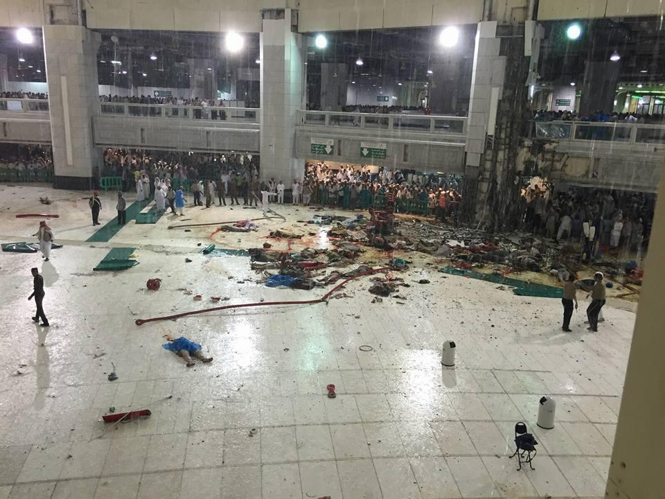 صورة الدفاع الصور مدني: 87 قتيلا و 184 جريحا جراء سقوط رافعه في مكة الحرم المكي 26 ذي القعدة 1436هـ