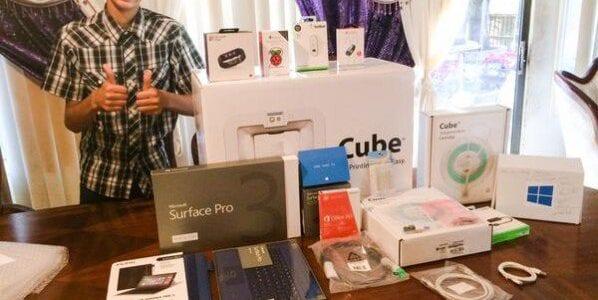هدايا من مايكروسوفت إلى أحمد محمد السوداني الاصل المسلم في أمريكا