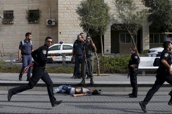 Photo of أخبار فلسطين 13-10-2015 ثورة السكانين وذبح الصهانية اعدام طفل فلسطيني
