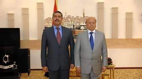 صورة صحافة نت وصول خالد بحاح ويليه الرئيس هادي إلى عدن أخر اخبار اليمن 16-11-2015