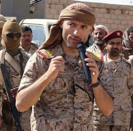 صورة ردة فعل اللواء هاشم الأحمر بعد هجوم عبر خالد الأنسي وتوكل كرمان اخبار اليمن 7-2-2016 صحافة نت