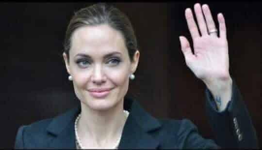 Photo of وفاة الفنان انجلينا جولي قد تكون بعد ايام او اسابع بسبب مرض السرطان