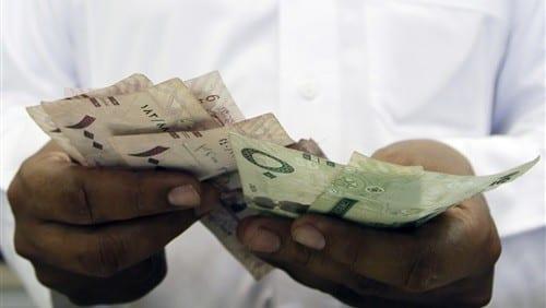 Photo of مواصلة إنهيار العملة المحلية في اليمن من أسعار الصرف في اليمن السوق السوداء