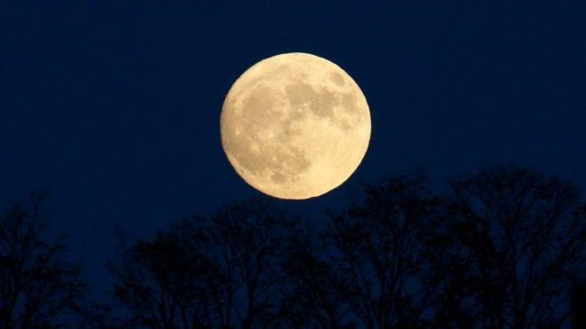 موعد ظهور مشاهدة القمر العملاق
