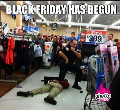Date Black Friday مشاجرة في الجمعة السوداء في أمريكا