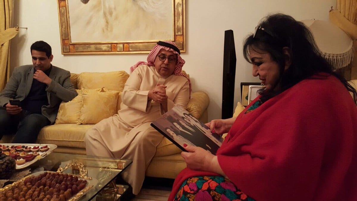 Photo of صور سميرة توفيق برفقة داوود الشريان للمرة الثانية