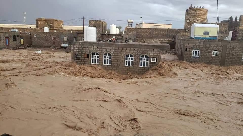 صورة صور سيول مأرب وغرق مخيم السويداء من اخبار اليمن صحافة نت