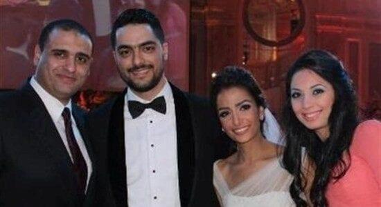 جمهور حسن الشافعي يسخرون من زوجته في التعليقات على الصور المنشوره
