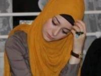 صور بنت تتامل فيس بوك بالحجاب الاصفر