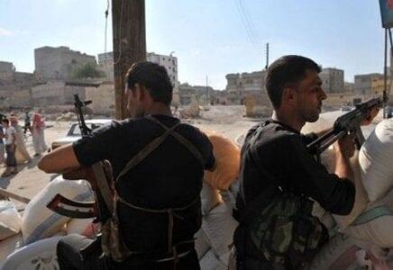 الجيش السوري يشن هجوماً مضاداً لاستعادة مناطق تسيطر عليها المعارضة