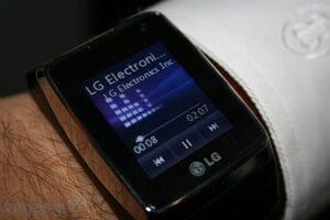 watchphone  ساعه ذكية جديده من ال جي .