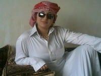 صورة بنت فس بوك باللبس الخليجي الثور والشال