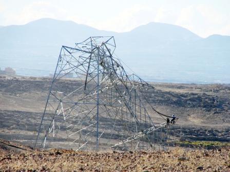 Photo of انقطاع الكهرباء في اليمن بعد الاعتداء عليها اخبار اليمن 27-11-2014