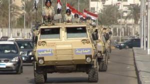 صوره من خروج الجيش المصري الى شوارع مصر
